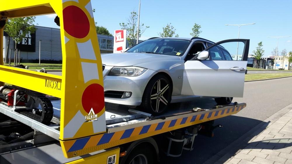 Verkopen beschadigde wagen