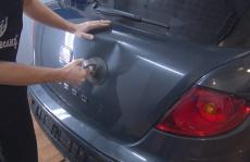 Deuk uit auto halen – Zelf uitdeuken of laten doen?