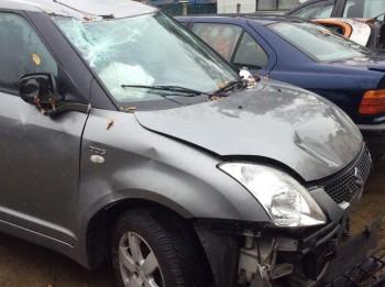 Opkoper Beschadigde Auto